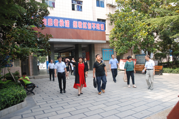 河南省食品药品监督管理局专家组莅临 河南誉美肾病医院进行医疗器械质量管理检查工作